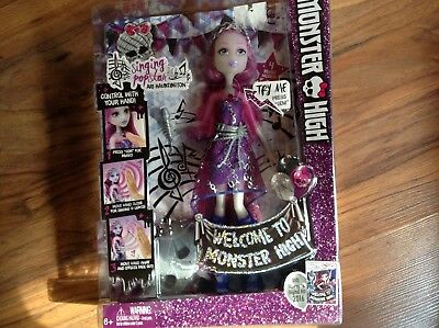 Monster High Singing pop star Ari Hauntington-2015