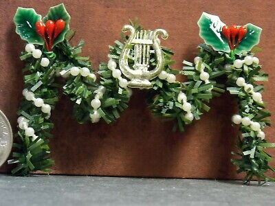 Dollhouse Miniature Fireplace Garland 1:12 one inch scale F54 Dollys Gallery