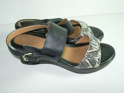 74ddd7453498 Womens Black Tan Leather Slingback Naturalizer Sandals Heels Shoes Size 6 W