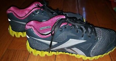 3aef127567a Reebok Zignano Fly 2 Running Athletic Shoes Gray Pink Yellow Womens Size 9