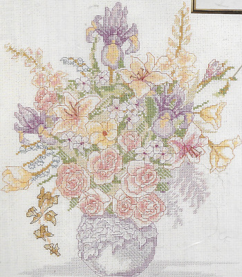 Janlynn Counted Cross Stitch kit, BURST OF SPRING, Pastel bouquet, Mpn 02454,New