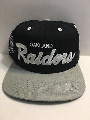 best website ddc8f 8ccec RETRO VINTAGE OAKLAND Raiders Mitchell & Ness Snapback Hat Black And Silver  Rare