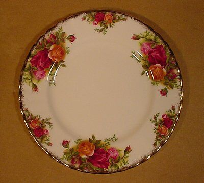 """7 1/4"""" Salad Bread & Butter Plates Royal Albert Old Country Roses / England"""