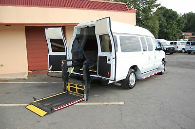 2013 Ford H-Cap 2 Pos. VERY NICE HANDICAP ACCESSIBLE WHEELCHAIR LIFT EQUIPPED VAN....UNIT# 2227FW