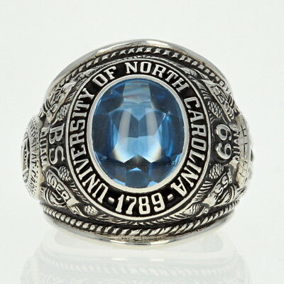 1969 University of North Carolina Class Ring - 10k Gold Synthetic Spinel UNC