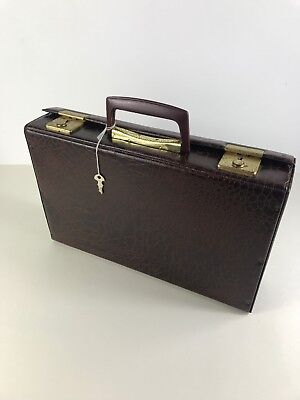 Vintage Retro Brown Cassette Storage Briefcase Holder Case & Key Holds 32 Tapes