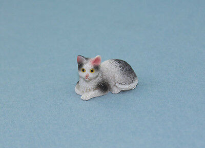 1/12 Scale Adorable Dollhouse Miniature Black & White Laying Cat #IM65457
