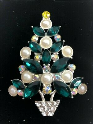 New In Box AVON 2011 Collectible Christmas Green White Tree Pin Brooch