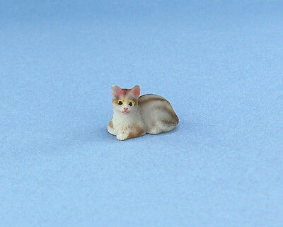 Adorable 1:12 Scale Dollhouse Miniature Laying Cat #IM65491