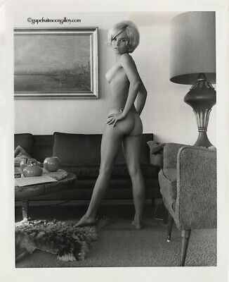 Bunny Yeager 60s Vintage Pin-up Photograph With Nude Artist's Model Mod Era Fun