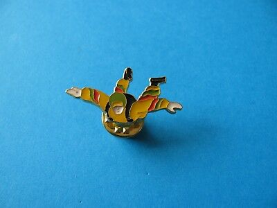 SKY DIVER Pin Badge. VGC. Unused. Skydiving. Yellow