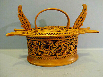 "EARLY 20thC NORWEGIAN HANDCARVED""ACANTHUS"" DESIGN WOOD HANDLED TINE BOX."