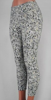 7af541aa1c LULULEMON Wunder Under Crop 4 Not So Petite Fleur Silver Spoon White FREE  SHIP