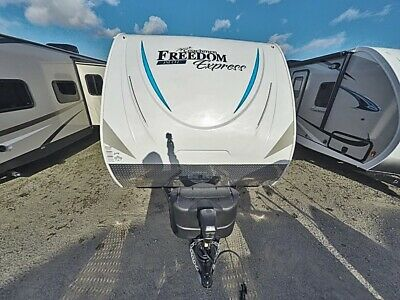 2018 Freedom Express 19RKS TRAVEL TRAILER BY COACHMEN RV CLEARANCE SALE