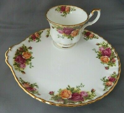 Lovely Vintage (1962) ROYAL ALBERT Old Country Roses Tennis Duo