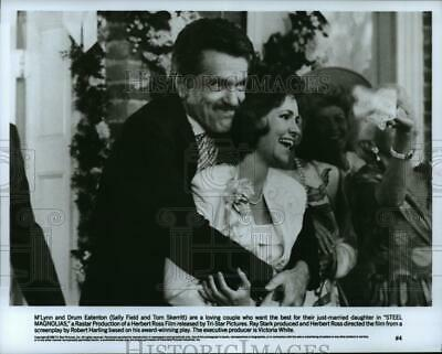1989 Press Photo Tom Skerritt and Sally Field star in Steel Magnolias.