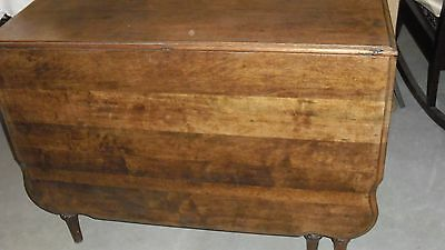 Antique Walnut Gateleg Dining Table With Fancy Legs & Beveled Top Edge