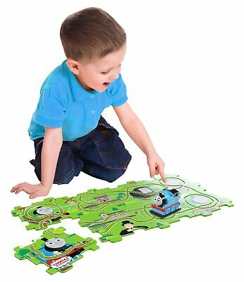 Thomas the Tank Engine  BTTT006 Motorized Track Playset - Brand new!