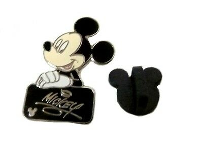 Walt Disney Autograph Cast Lanyard Collection Pin World Mickey Mouse Black Tile