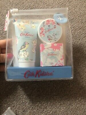 Cath Kidston Blossom Birds Manicure To Go Gift Set Apple Blossom & Elderflower