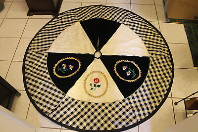 71b111684a House of Hatten Christmas Tree Skirt Black & White Checkered Red Roses &  Daisies