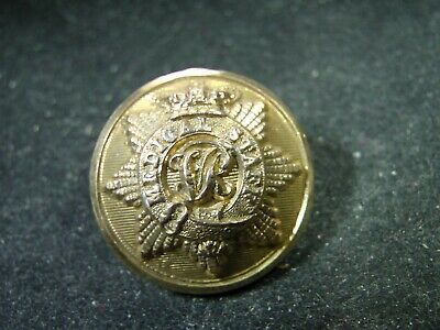 BRITISH ARMY MEDICAL STAFF w. VR Cypher 25mm GILT TUNIC BUTTON 1875-1898 C. PITT