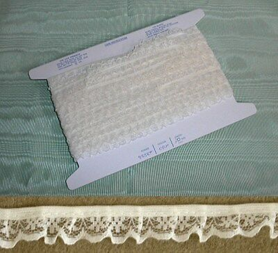 Gathered Narrow  Cream Lace 12 meters (134)