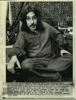 1971 Press Photo Disc Jockey Steve Leon fired for playing offensive record