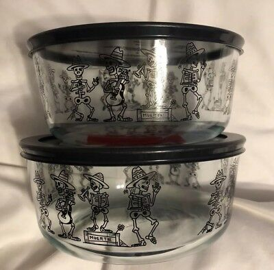 Pyrex Halloween 7 Cup MARIACHI BAND Storage Mexican Skeletons Day of the Dead