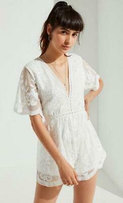 9090f8318d5c NWOT URBAN OUTFITTERS UO PLUNGING EMBROIDERED LACE ROMPER sz 2 ...