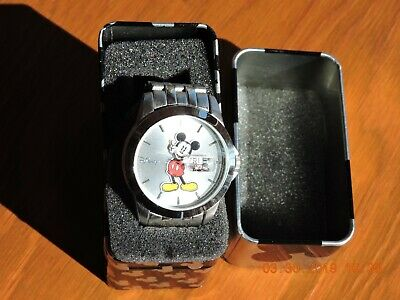 Disney Mickey Mouse unisex's silver tone and dial quartz watch MK2050
