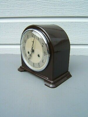 Bakelite mantel clock dome top cleaned polished working key pendulum VGC     B7