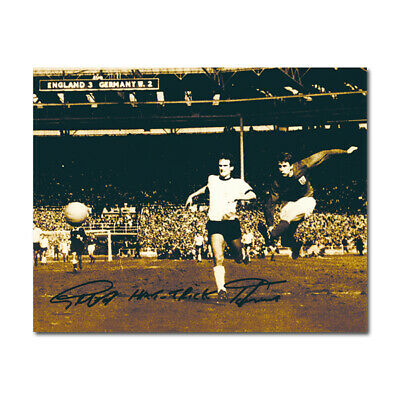 Geoff Hurst Autograph - Autograph - Signed Black and Whie Photograph