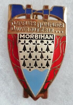 Insigne SAPEURS POMPIERS OBSOLETE FRANCE DEPARTEMENT MORBIHAN 56 ORIGINAL Drago