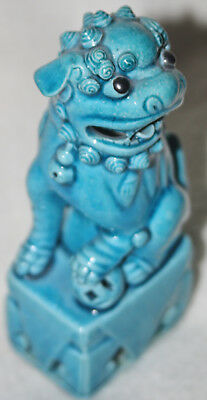 Chinese Late Qing (1900-1915) Turquoise Blue Glaze Porcelain Foo Dog Figure