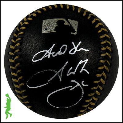 Garth Brooks Autographed Signed Baseball Ball Country Music Icon Beckett Bas Coa