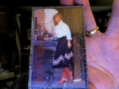 Lori Yates- Can't Stop the Girl- new cassette tape