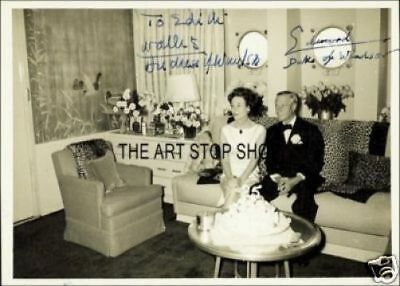 In 1937 L4065 Duchess of Windsor USIGNED photograph SALE!!!