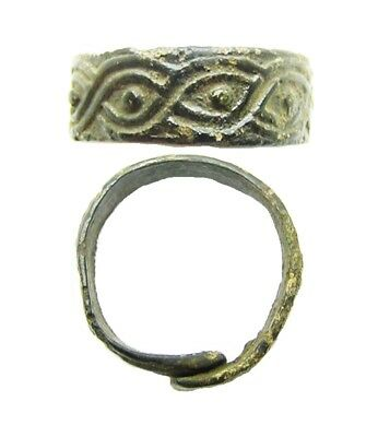 8th - 10th century A.D. Rare Viking Interlaced Oden's Eye Finger Ring Size 7