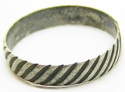 Nice Excavated 17th century Baroque Silver Finger Ring Rope Twist Design