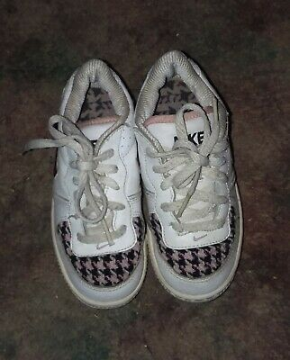 a31064f133 NIKE toddler baby girls sz 7 C black white & pink shoes Tennis Sneakers  GREAT