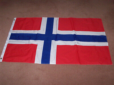 Large Norwegian Flag 150 x 90cm - National Flag of Norway, Tough Woven Material