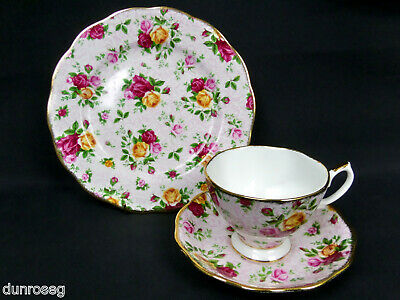 OLD COUNTRY ROSES RARE, SOFT PINK LACE TRIO, 1st QUALITY, VGC, ROYAL ALBERT