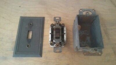 Vintage Paulding 9773 Porcelain 3 Way Light Switch J-box and Plate!  Bakelite ?