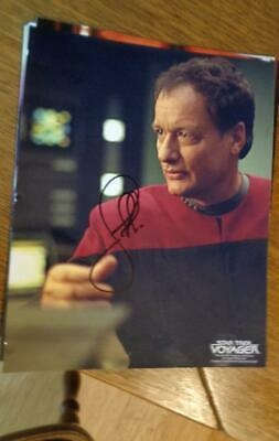 John de Lancie Autograph as Q Star Trek Voyager 2001 8 x11 Photo NO COA