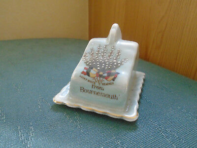 Lucky White Heather From Bournemouth Blue Grey Lustre -  Arcadian Crested China