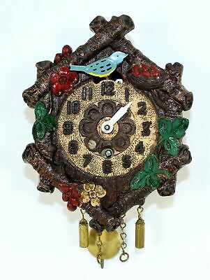 VINTAGE KEEBLER NOVELTY CUCKOO CLOCK with SLIDING BIRD FEEDING NEST- TB73