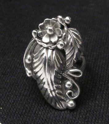 Native American Navajo Sterling Silver Feather Flower Ring Signed Ray Bennett