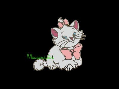 Aristocats Cat / Kitten MARIE Sitting Disney 2015 Pin