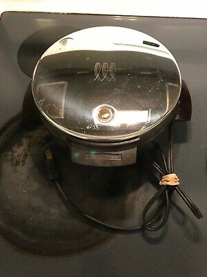 "Toastmaster Waffle Iron Baker 8"" Round w/ Nonstick Plates W252A USA"